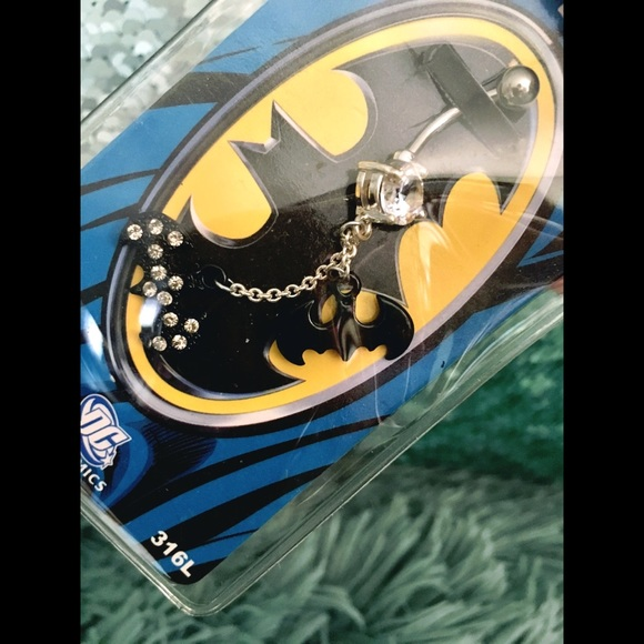 New In Plastic 14g Batman Belly Ring Nwt